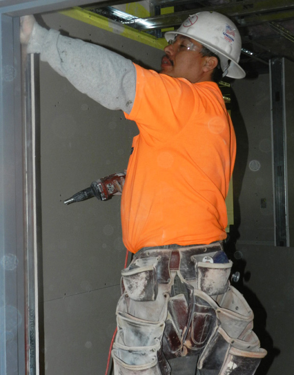 Carpenters and Drywallers are doing interior work on the new affordable housing complex being built with all union labor near downtown Oakland. Nibbi Brothers is the General Contractor for the 6th and Oak Senior Homes project being built by Affordable Housing Associates.